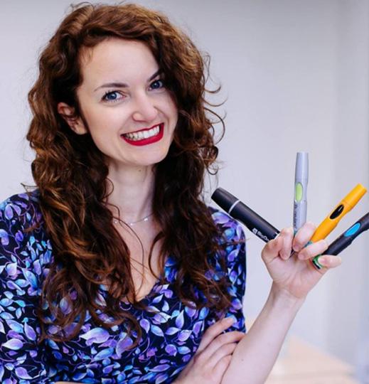 """Jest członkinią International Forum of Visual Practitioners i nazywana jest """"matką założycielką"""" ruchu Visual Thinking w Polsce"""